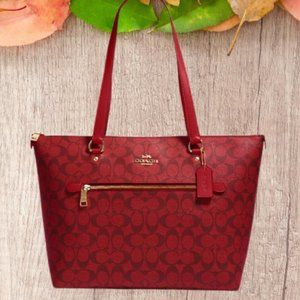 Gallery Tote In Signature Canvas RED